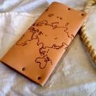 Portofel de dama imprimat cu harta lumii thumb